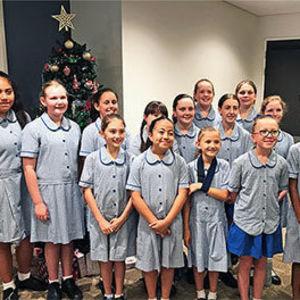 Choir spreads Christmas cheer
